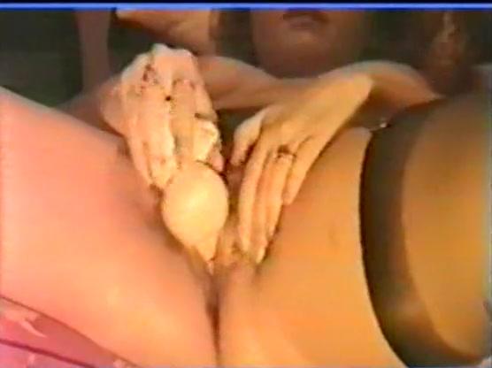 video-porno-devki-lizhut-pizdu