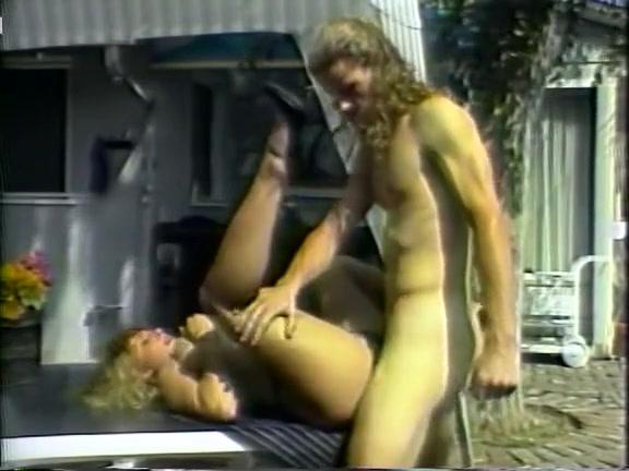 Групповое нападение порно за решеткой фото 345-168