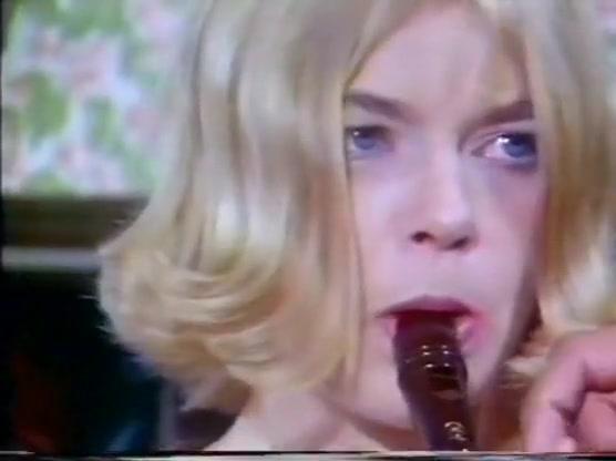 Русское групповое порно видео на PornoRussiaTV