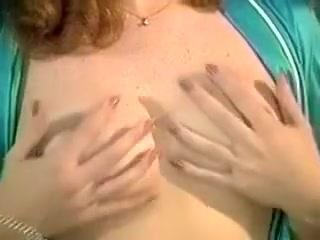 Комикс маленькая грудь и большая грудь