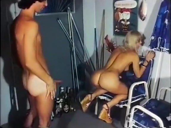 prosmotr-porno-zrelih-svingerov