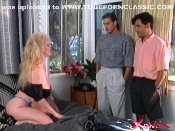 Смотреть порно фото как таня лижет сосок юле